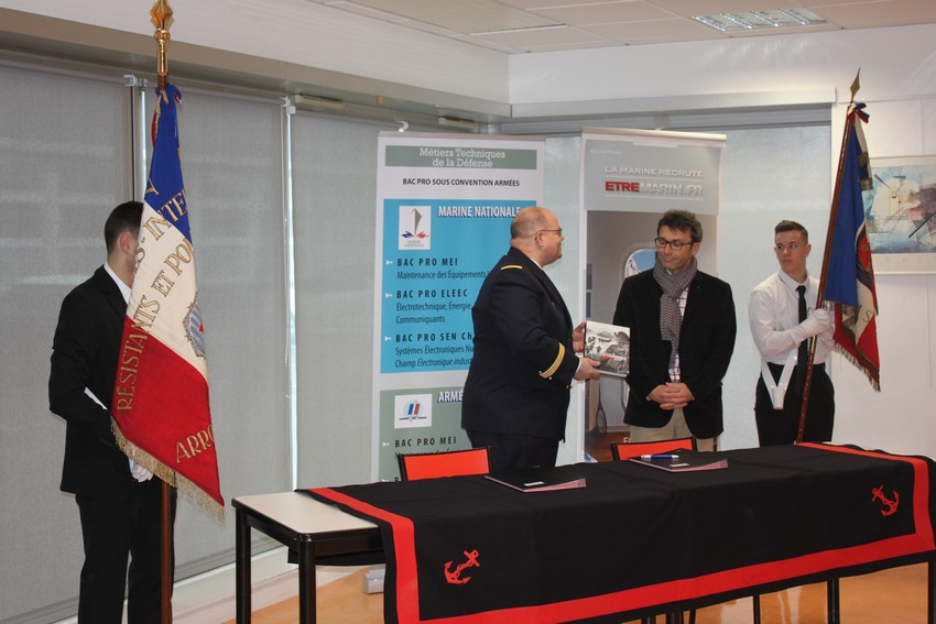 Signature convention Marine nationale © Lycée