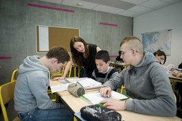 Devoirs faits : un temps d'étude accompagnée pour réaliser les devoirs