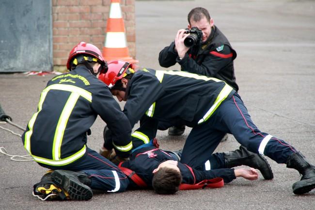 démonstration de sauvetage, par la section de Jeunes Sapeurs-Pompiers de Poissy